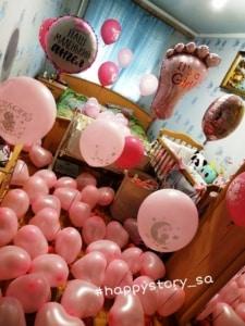 Оформление комнаты гелиевыми шарами на выписку для девочки